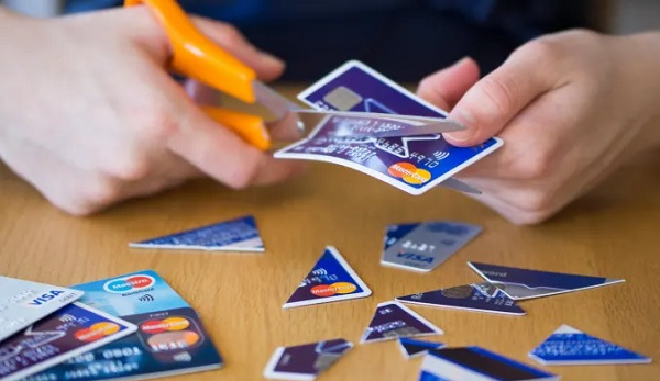cutting credit cards helps eliminate debt